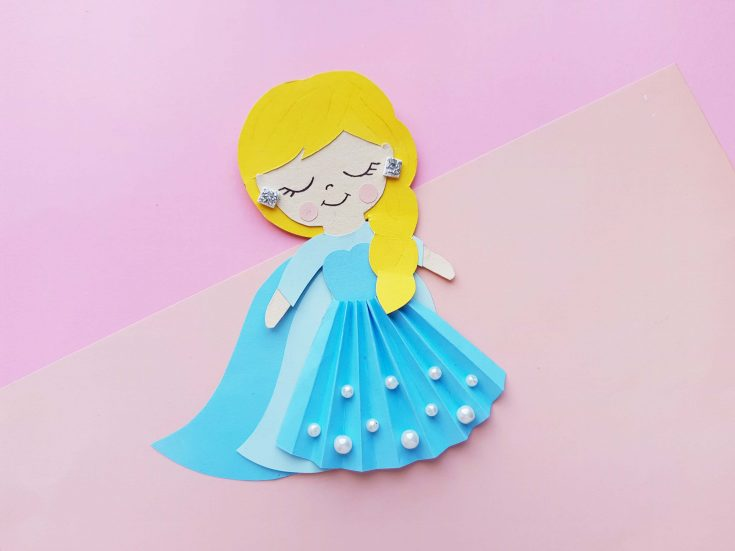 Queen Elsa Paper Craft